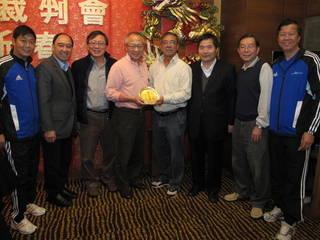 Highlight for Album: 2013年01月12日 (星期六) 名譽會長郭家明先生及名譽會長李宗博士授予特區政府職銜慶祝晚宴